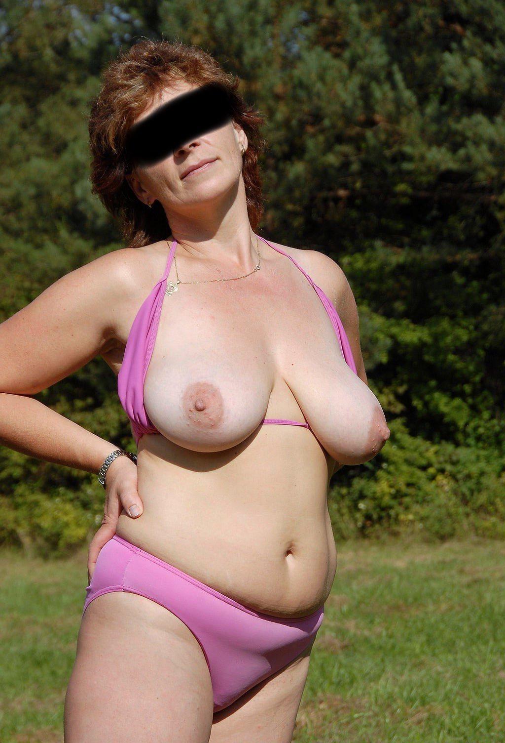 Belle femme nue cherche son jeune donneur de plan sexe