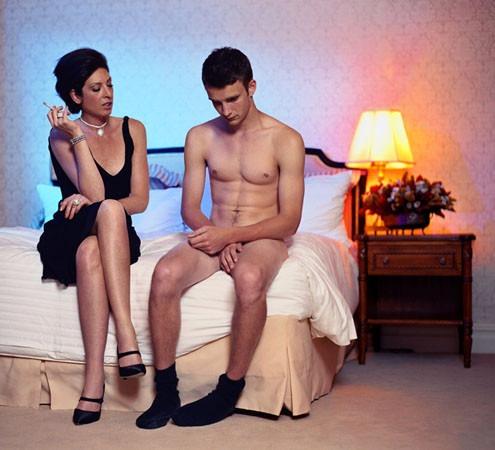Assure avec la femme cougar sinon c'est la punition