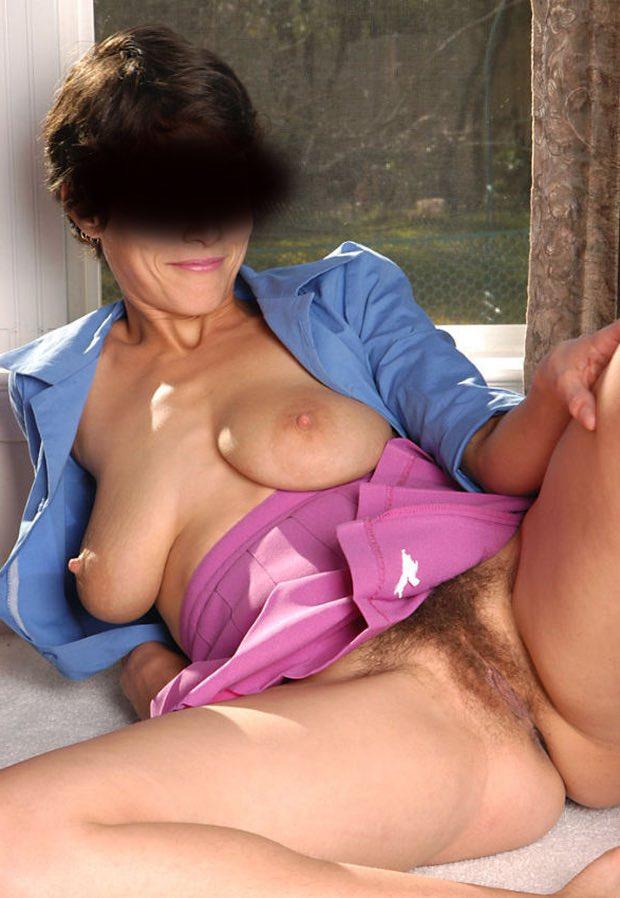 Belle rencontre femme cougar nue et pulpeuse pour une rencontre